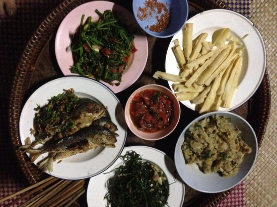 Akhajulyah Guesthouse: Yummy local meals