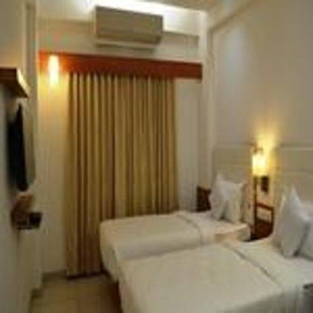 Hotel Ashray Inn: room