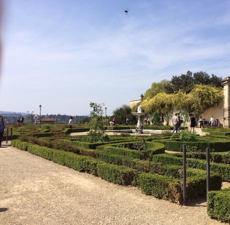 Palazzo Pitti: Jardim em frente ao museu da cerâmica