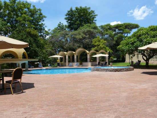 Rainbow Hotel Victoria Falls : Piscina