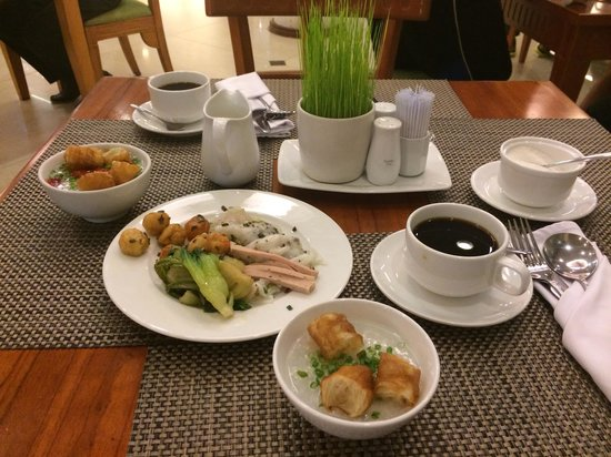 Alagon Saigon Hotel & Spa : Love the breakfast! It has it's own egg and pho station