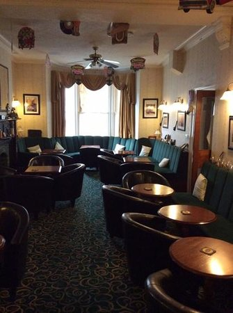 The Marlborough Hotel: Entertainment Lounge