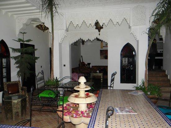 Riad Hannah City Hotel: Cour intérieure du riad