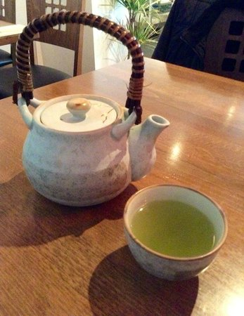 Etsu Japanese Restaurant : Green tea
