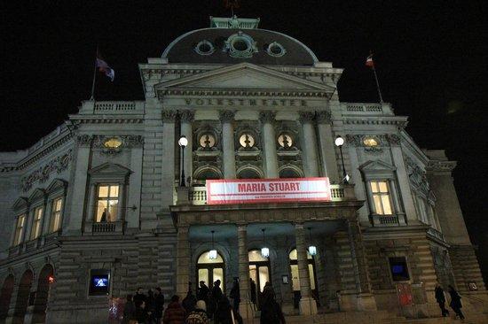 Volkstheater at night
