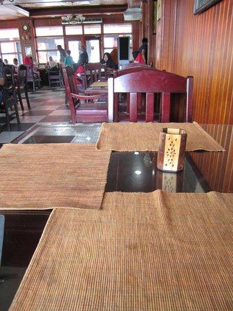 Choice Restaurant: Dining table