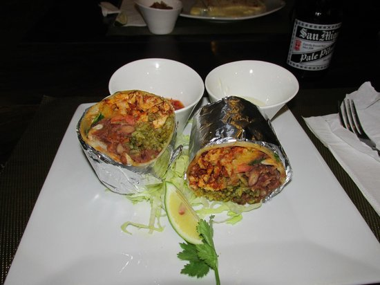 Mayas : wow burrito!!!