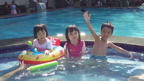 Banana Inn Hotel & Spa: fun in the pool