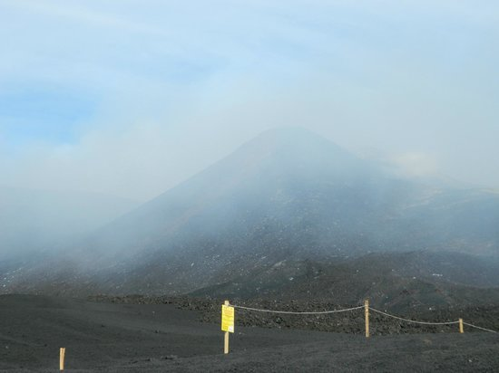 Monte Etna: majestic Etna