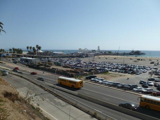 Santa Monica Beach : View to Pier