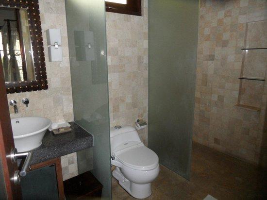 Gending Kedis Villas & Spa Estate: sde de la seconde chambre