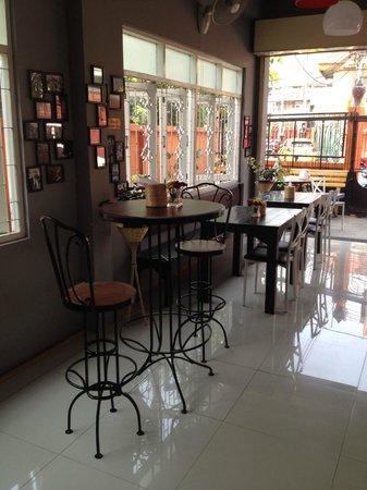 Paris - Restaurant & Bar: NOUVELLE EQUIPE NOUVEAU DESIGN