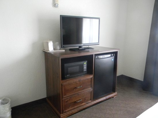 Holiday Inn Express Hotel & Suites Keystone : A Lot of Conveniences using little space of your room