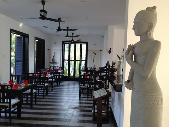 Goyavier Hotel : Cozy dining area...food even better!