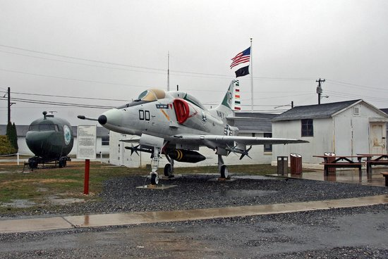 Millville, Νιού Τζέρσεϊ: Douglas A-4F Skyhawk - Photo by Daniel Berek