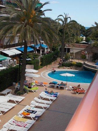 Sumus Hotel Monteplaya: Вид с нашего балкона