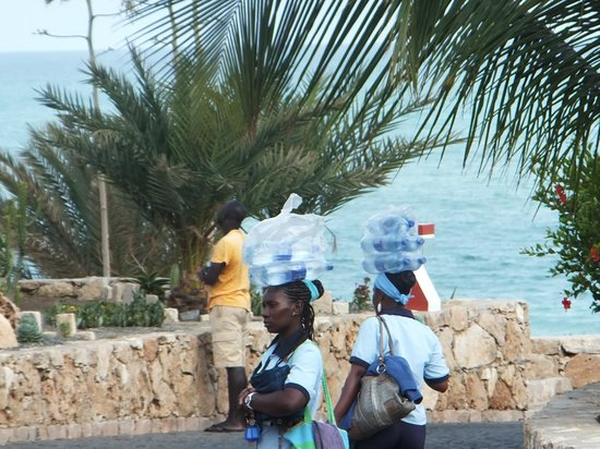 Royal Decameron Boa Vista: Lovely chambermaids bringing bottled water to rooms