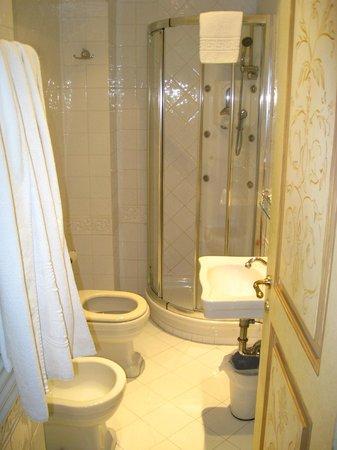Hotel Villa San Pio : bath
