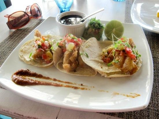 El Pez: Fish tacos