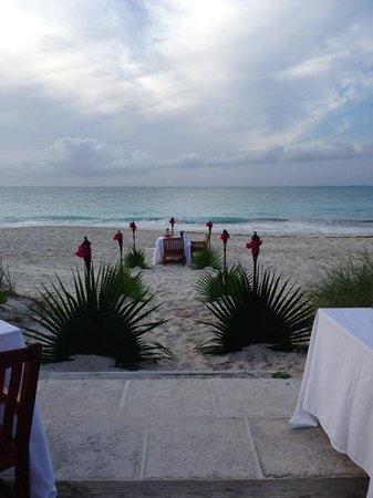 Grace Bay Club: cena sulla spiaggia