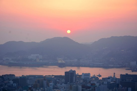 Hotel Nagasaki: ホテルからの夕日