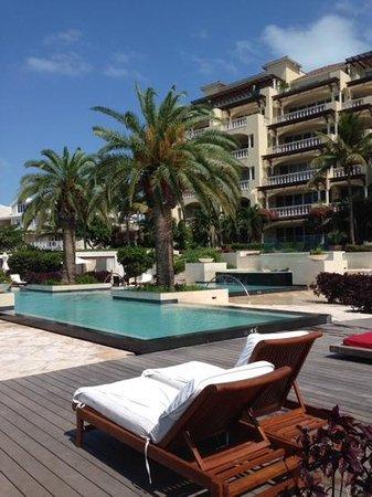 Grace Bay Club: piscina Estate