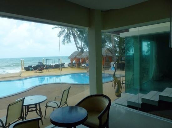 Samui Beach Resort: our view sat on the bed, beach front room 10