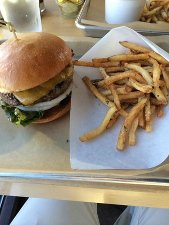 Hopdoddy: The classic burger and fries