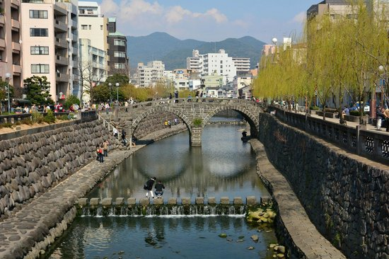Spectacles Bridge (Meganebashi): 下流の石橋から