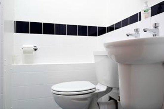 Park House Women's Hostel : Bathroom