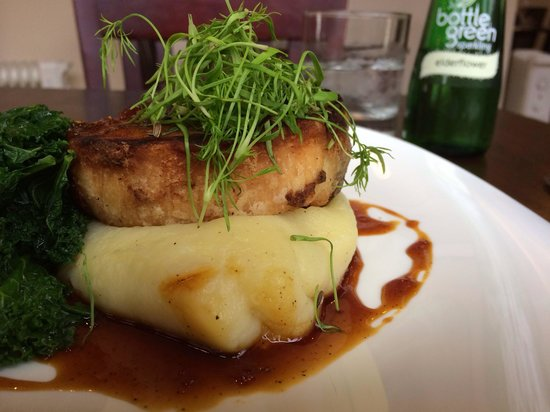 Cherry Duck Harbourside Bistro: Pork belly on top of mash potato with a side of kale