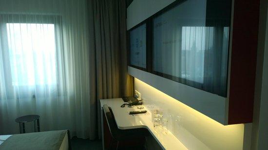 Dormero Hotel Hannover: Blick ins Zimmer