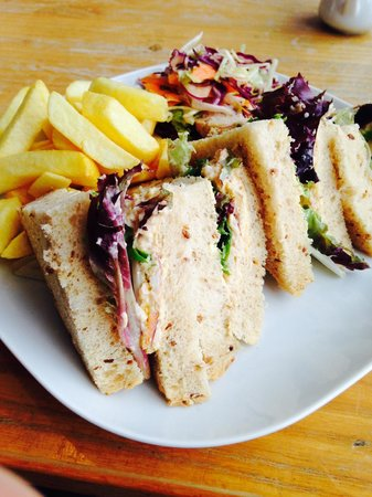 Rocket House Cafe: Cromer crab sandwich with chips and salad
