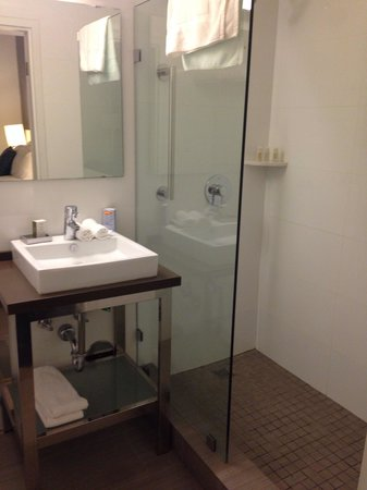 YVE Hotel Miami : Shower