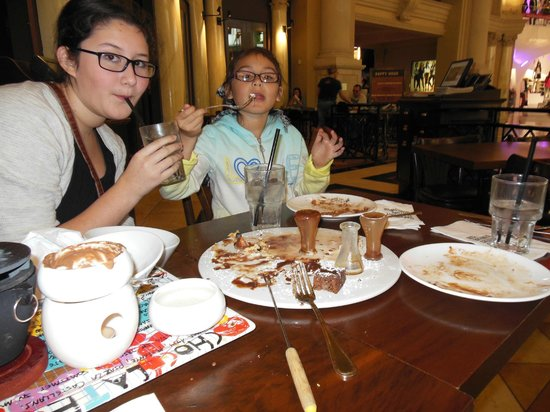 Max Brenner: Note the empty plates!