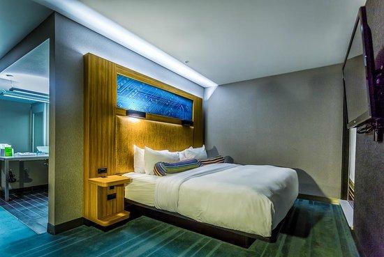 Aloft Cupertino: King Guest Room