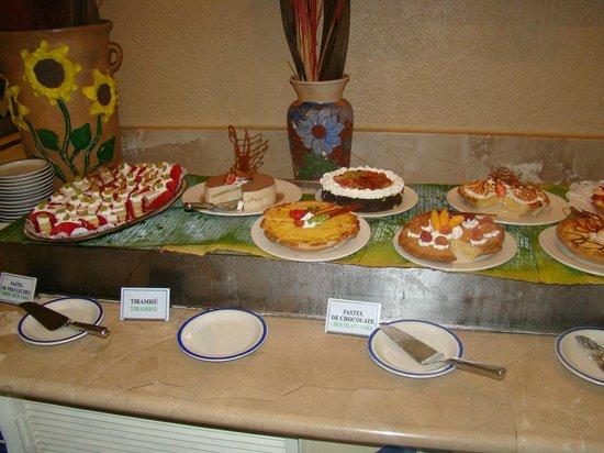 Las Brisas Huatulco: food