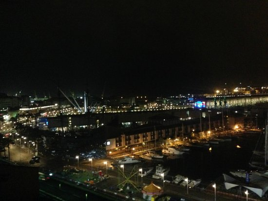 La Superba Rooms & Breakfast: vista notturna dalla terrazza