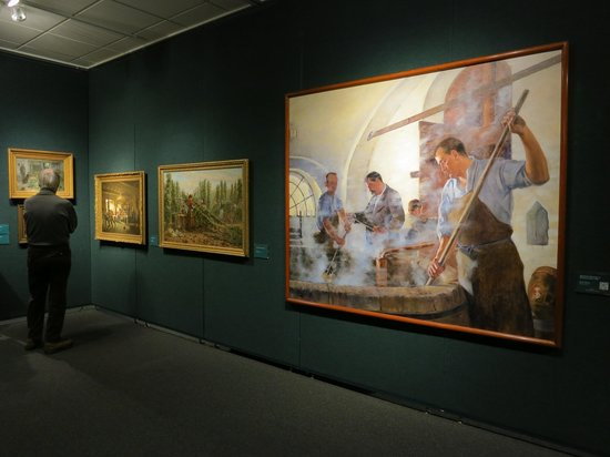 Grohmann Museum: extensive, interesting collection