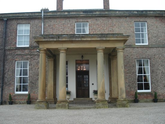Solberge Hall Hotel: grand entrance