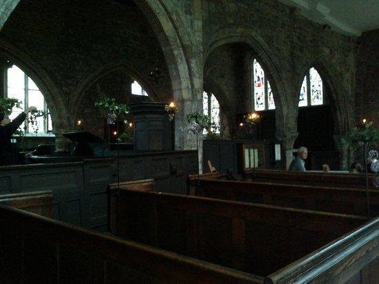 Holy Trinity Church : The interior