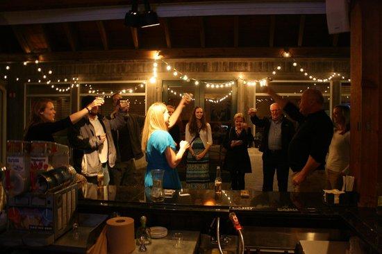 The Isles Restaurant & Tiki Bar: Cheers!