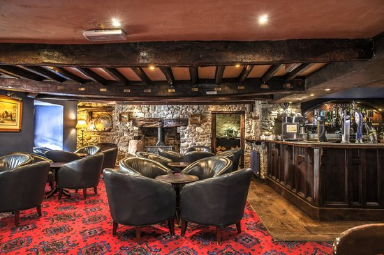 The Kings Head: Comfy Seating/Coffee Area