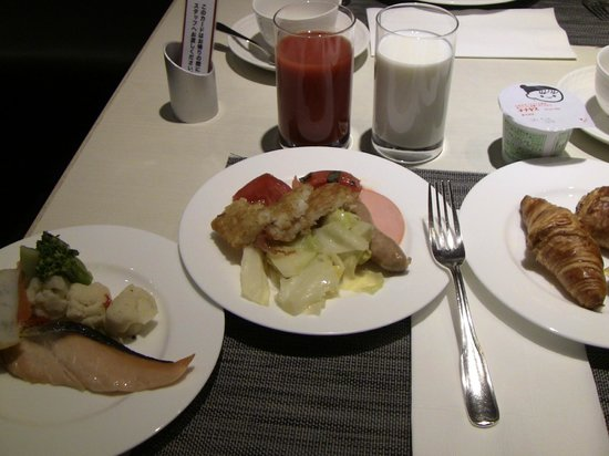 ANA Crowne Plaza Hiroshima : Morning buffet