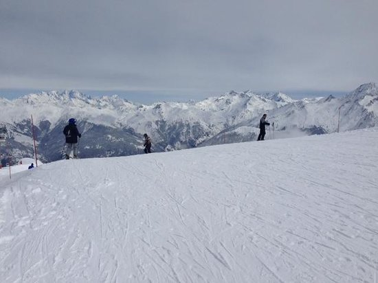 Alpine Escape : Amazing snow and weather