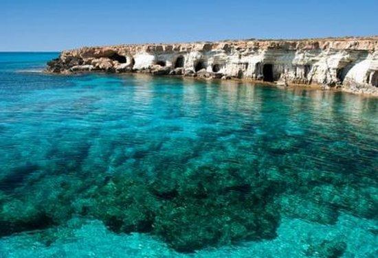coral bay divers - Destinasi Wisata dengan Pemandangan Laut Cyprus, Wajib Kunjungi!