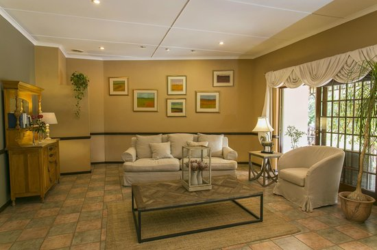Hlangana Lodge: Reception and lounge