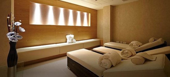 Lingfield Park Marriott Hotel & Country Club : Relaxation room (official website photograph)