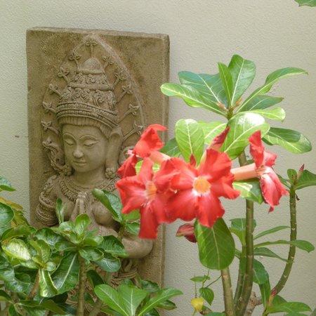 W Home Bangkok: Frangipani flower in the courtyard
