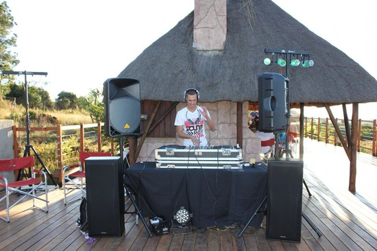 SouthView Lodge : Decking on the Decks